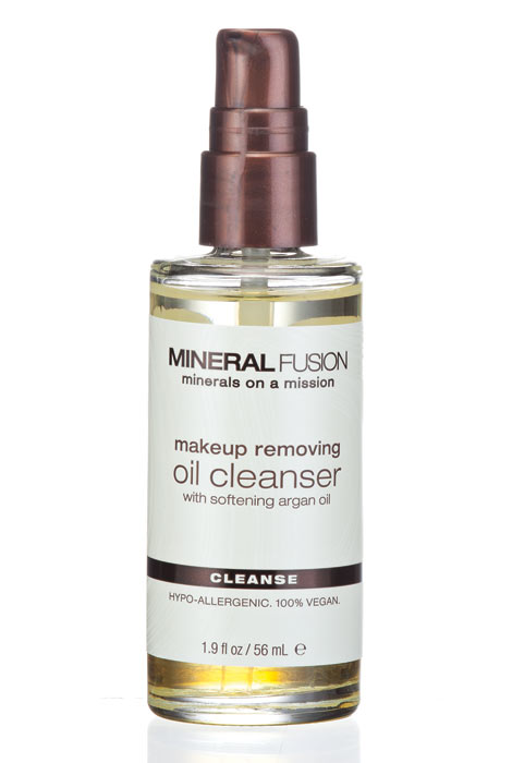 Mineral Fusion™ Makeup Removing Oil Cleanser - View 2