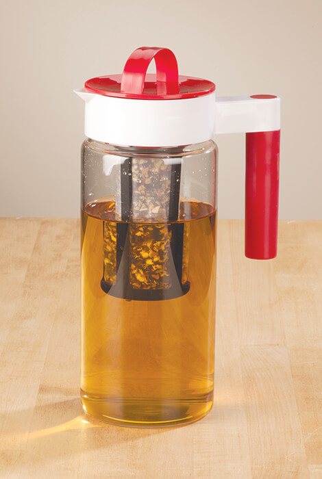 3-in-1 Pitcher with Infuser & Ice Liner 1.65L - View 2