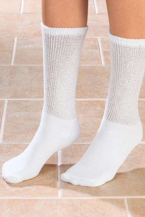 Silver Steps™ 3 Pack Cool + Dry Diabetic Socks